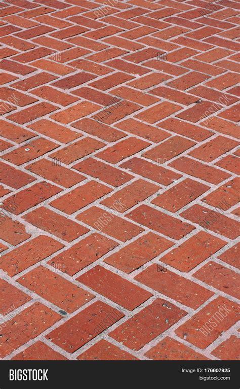 zigzag brick pattern red brick walkway zigzag pattern image photo bigstock