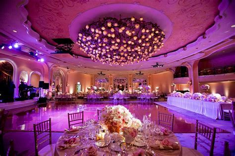 15 Tricks to Decorate a Large Hall for Your Wedding