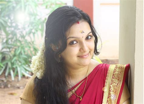 Recent Marriage Photos by Saranya Mohan Make From