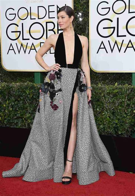 10 And Golden Globe Dresses To Crush On by The 10 Best Golden Globe Dresses Of 2017 Purewow