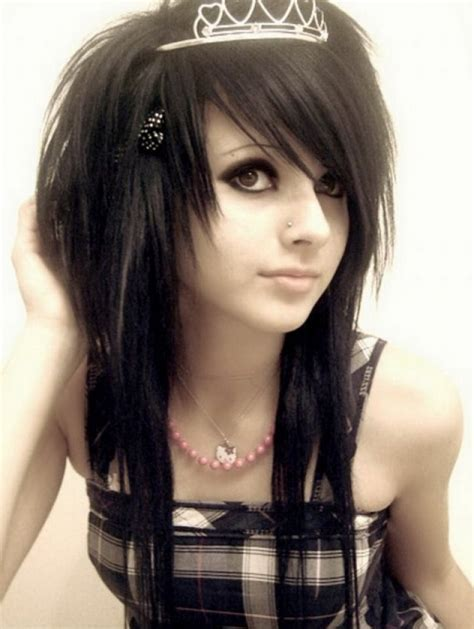 photos of emo haircut fo women with large noises emo hairstyles for girls latest popular emo girls