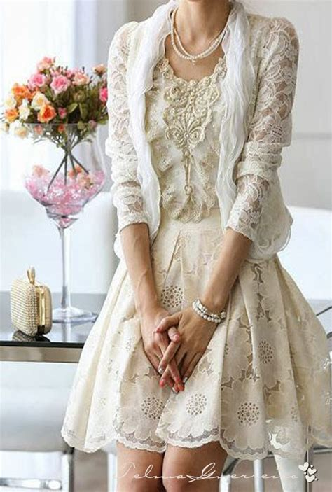 lady gray dreamsi love lace  pearls  ivory