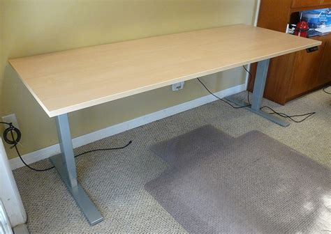 adjustable height desk reviews uplift height adjustable standing desk review the gadgeteer