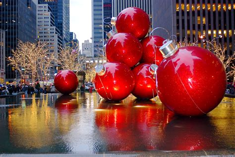 giant christmas ornaments decoration in nyc nyc nyc decorations on sixth avenue