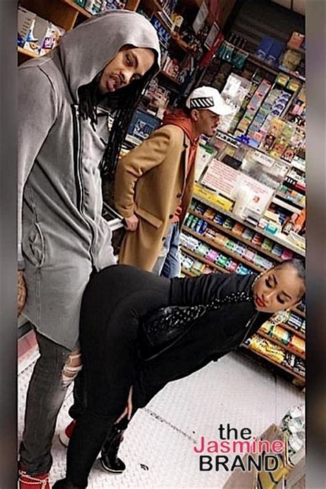 mayweather hits nba game  kids derrick rose