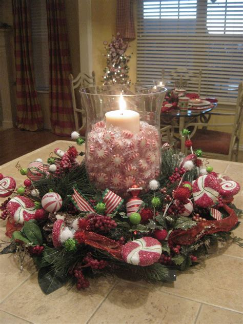 christmas centerpieces peppermint centerpiece tablescapes centerpieces pinterest