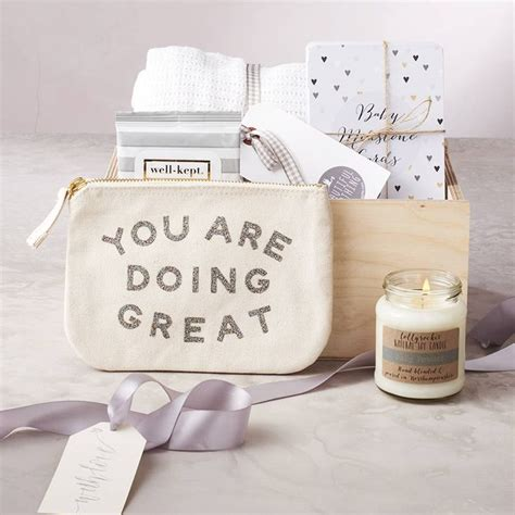 Baby Shower Gift For Best Friend by Best 25 Baby Gift Box Ideas On Baby Shower