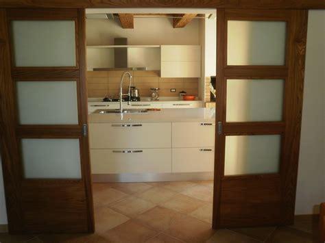 porte due ante porta scorrevole esterno a due ante falegnameria nuova