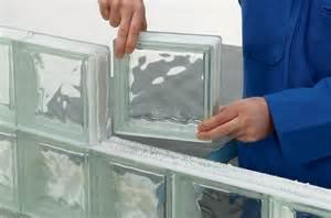 monter une cloison en briques de verre diy faites le