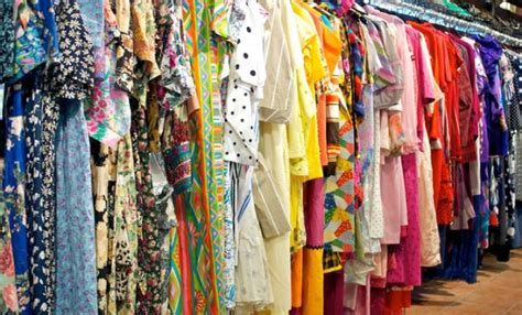 how to shop for vintage clothing in the city curvy