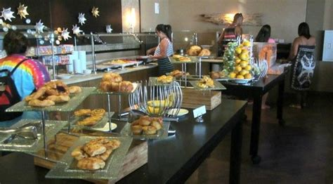 breakfast buffet picture of miami marriott biscayne bay