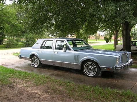 photo1 jpg picture of lincoln 1983 lincoln vi for sale classiccars cc 636647