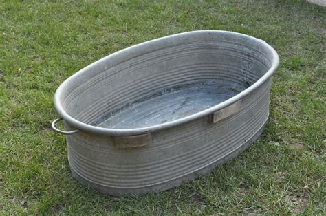 Tin Bathtub by Vintage Large Tin Galvanized Bath Tub Ebay