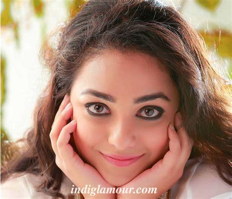 actor actress nithya menon nithya menon actress photos pics images wallpapers