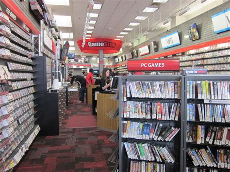 when gamestop file gamestop on powell st sf interior jpg wikimedia