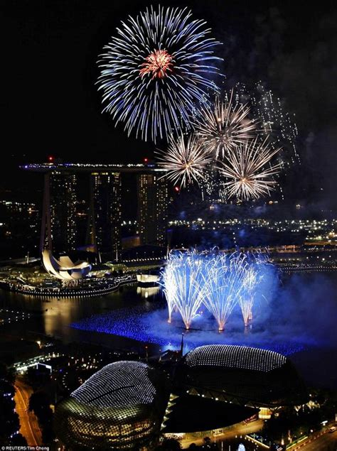 new year fireworks marina bay best new years 2011 2012 fireworks photo