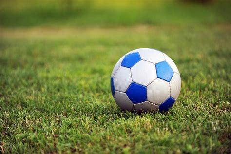 imagenes de futbol que inspiran el bal 243 n de futbol un invento que revolucion 243 al deporte