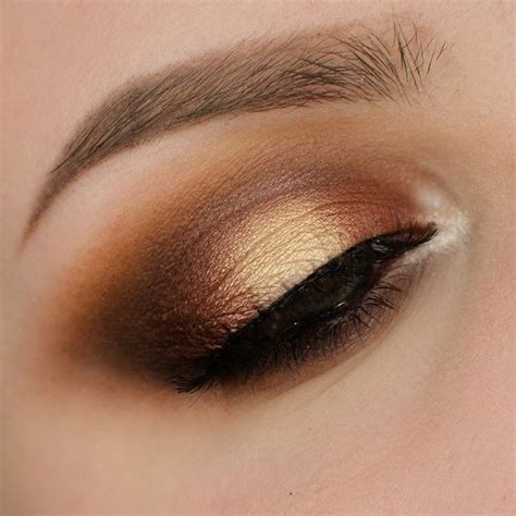 Tutorial Eyeshadow Wardah Seri E makeup revolution warm smokey eye makeup tutorial makeup