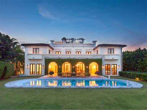 Ultra Contemporary Homes Estate Of The Day 11 4 Million Italian Villa In Miami