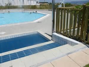 cloture piscine en bois cl 244 ture piscine bois ecobois une barri 232 re bois de piscine