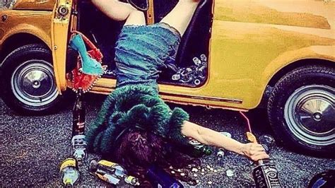 This Hottie Falling Out of a Classic Fiat 500 Is Hilarious