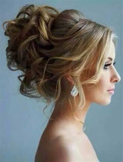Curled Hairstyles For Hair by 20 Best Updos For Curly Hair