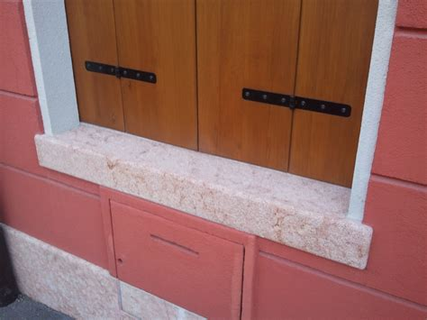 davanzale in pietra foto di finestre di marmo con balcone