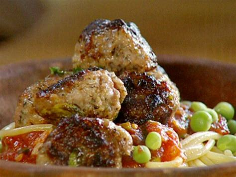 tomato basil sausage pasta sauce recipe with chickapea quick sausage meatballs with a tomato and basil sauce