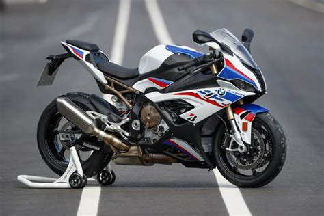 bmw   rr review cycle news