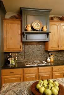 kitchen backsplash ideas with oak cabinets oak cabinets on pinterest oak kitchen cabinets honey