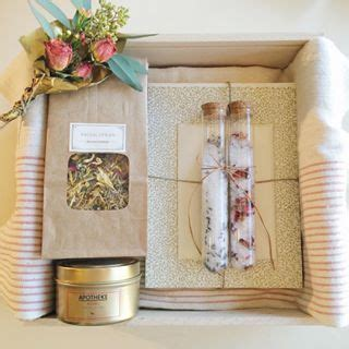 Small Bag Heejou Green Caja brides gift bridal gift bridesmaid gift box spa gift