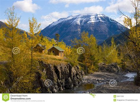 cottages in the mountains cottage in the mountains stock photography image 23317232