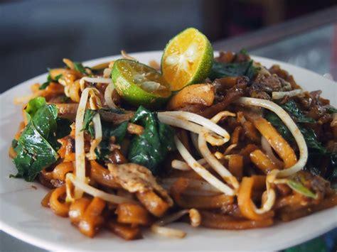 membuat mie tiaw kuliner khas singkawang yang bikin lidah bergoyang