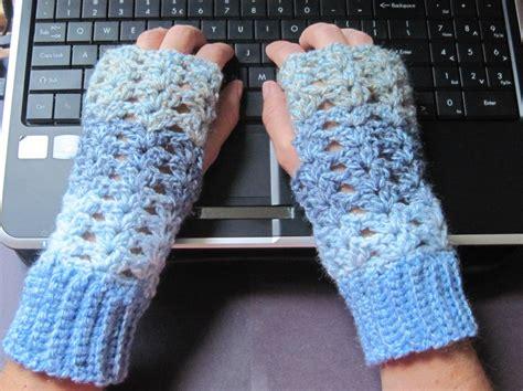 free pattern crochet fingerless gloves getting hooked free crochet pattern fingerless gloves