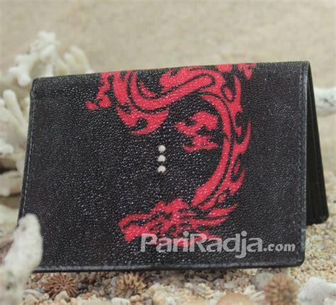 Dompet Kulit Ular Model Panjang dompet pria kulit ikan pari model panjang hitam gambar naga kerajinan kulit ikan pari