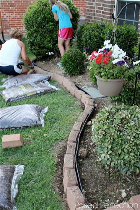 how to mulch a flower bed posed perfection ah that s mulch better summer landscaping