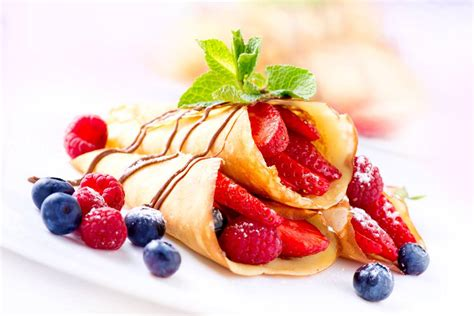 cucinare crepes cr 233 pe calde con frutti di bosco gustose e inebrianti