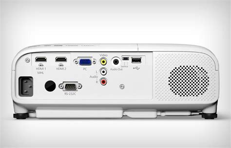 Epson Home Cinema 2000 by Epson Powerlite 2000 Projector