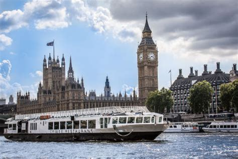 thames river cruise dinner vouchers river thames dinner cruises bateaux london