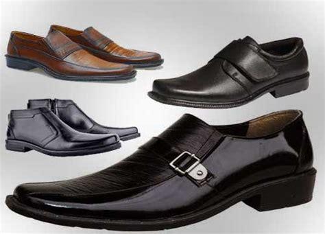 Sepatu Santai Bata macam macam model sepatu kerja pria terpopuler jaket