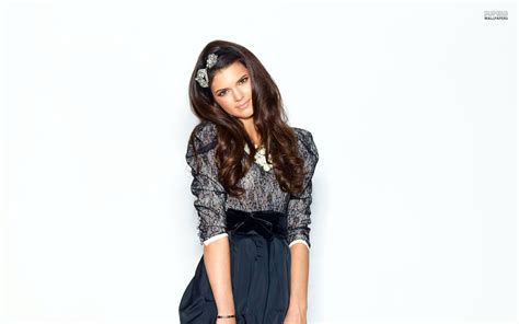 layout twitter kendall jenner kylie jenner hd wallpapers movie hd wallpapers