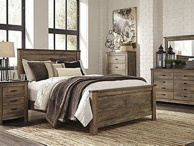 trinell  pc queen bedroom set replicated oak grain takes    rustic reclaimed wood