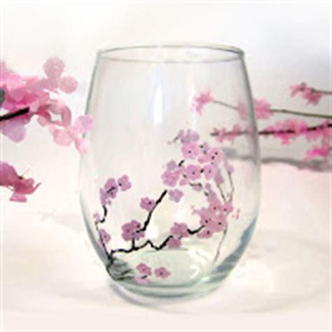 sta su bicchieri vetro 12 idee per il riciclo dei bicchieri di vetro kreattivablog