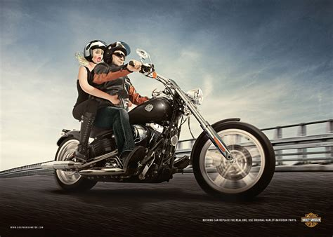 Motorrad Polo Werbung by In Harley Con Una Bambola Gonfiabile Polodigitaleblog