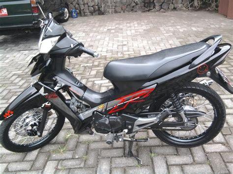 Striping Megapro 2008 otoeddy s modified modifikasi quot striping standar quot supra x 125