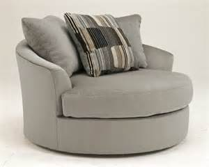Ashley taylor 1950121 westen oversized round accent chair with swivel