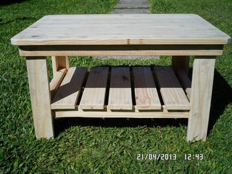 Wooden Pallet Coffee Tables Diy Wood Pallet Coffee Table 99 Pallets