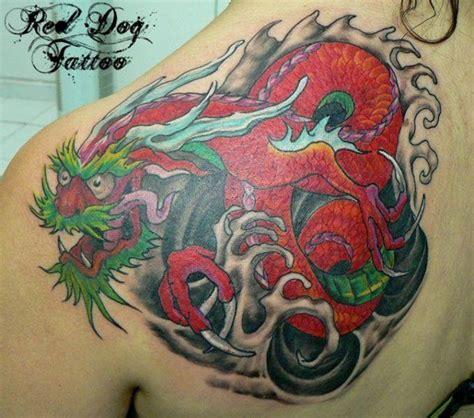 tattoo back left 65 dragon tattoos on shoulder