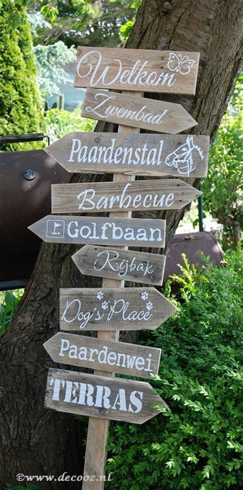 houten bord met tekst tuin wegwijspaal met eigen tekst www decooz nl
