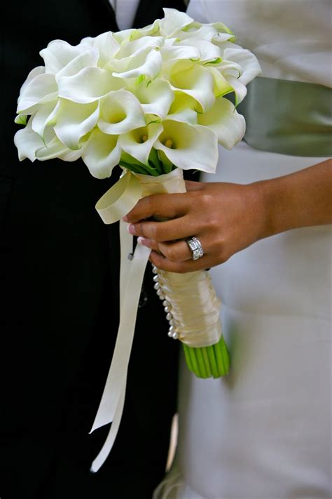 72 best calla lily bouquets arrangements images on pinterest wedding bouquets bridal
